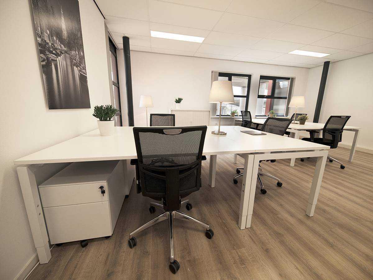 Overzichtelijk beeld van werkplekken bij SamSam Offices