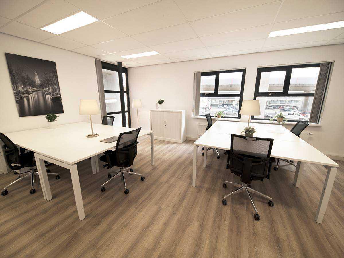 Werkplekken in kantoorruimte 3.1 bij SamSam Offices Amsterdam Sloterdijk