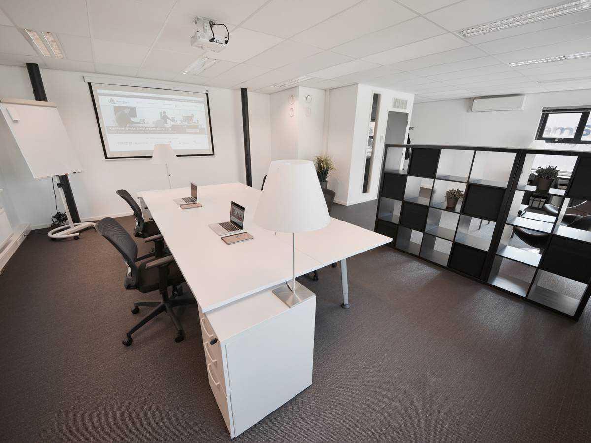 Kantoorruimte 1.1 op de eerste verdieping bij SamSam Offices Amsterdam Sloterdijk