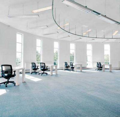 Ruim verlichte kantoorruimte tot 40 personen op de eerste etage